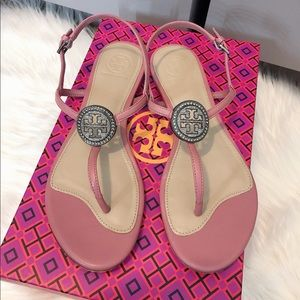 7aa4b96f4 Tory burch sandals size 6